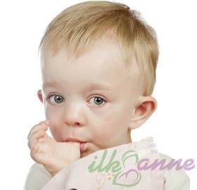 Bebeklerde-Parmak-Emme-Aliskanligi_82af1.jpg