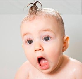 Bebeklerin-Banyo-Guvenligi_04317.jpg