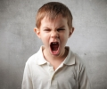 Çocuk öfkelendiğinde nasıl davranmalıyız?