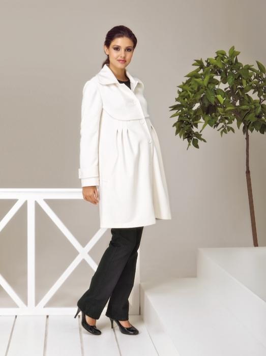 Beyaz Renkli Hamile Kaban Modeli