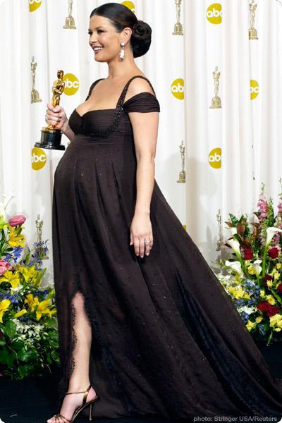 Catherine Zeta Jones Hamile