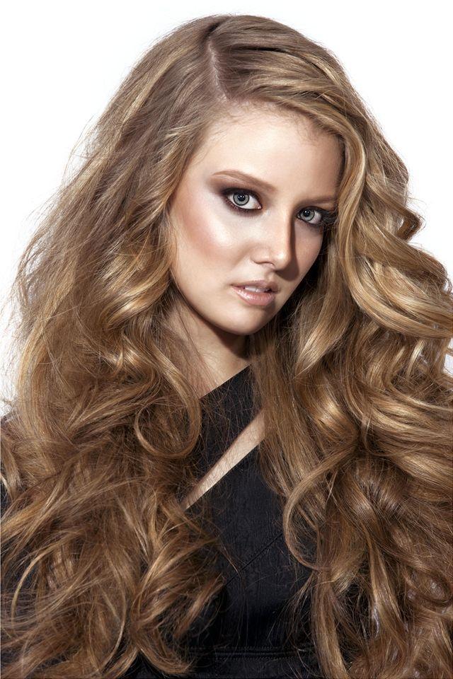 Dalgalı Uzun ve Katlı 2014 Saç Modelleri
