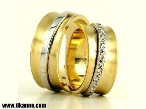 Erkek ve Bayan İçin Nişan Yüzüğü Örneği