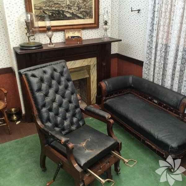 Eski doğum sandalyeleri-32