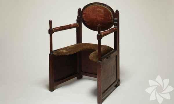 Eski doğum sandalyeleri-af