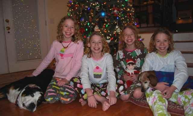 Kahkaha atan dördüzler büyüdü-98
