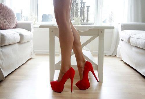 Kırmızı Sade Topuklu Örneği