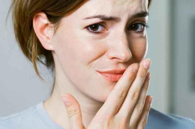 Kötü Ağız Kokusu ve Sapsarı Dişler