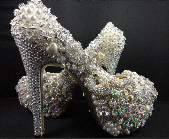 Şık İnci İle Kaplı Topuklu Ayakkabı