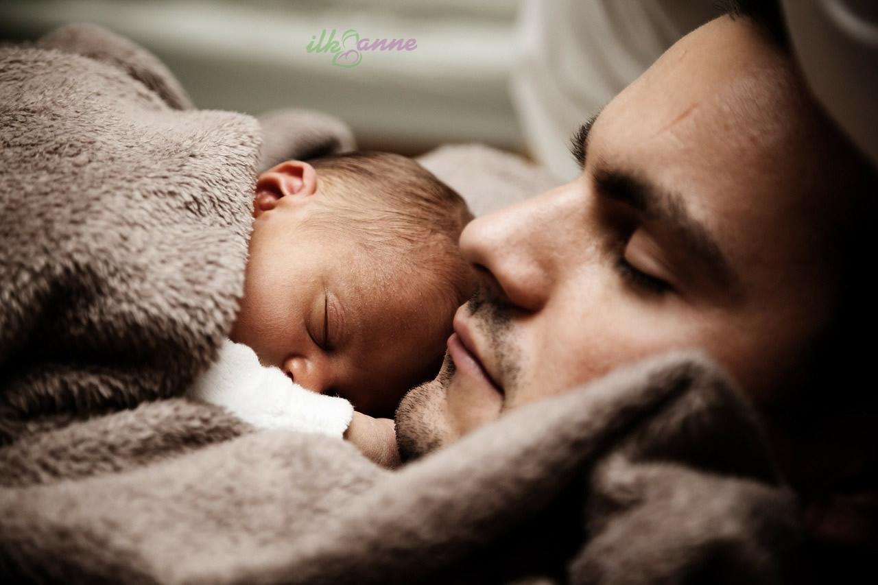 Tatlı Bebek ve Babası Wallpaper